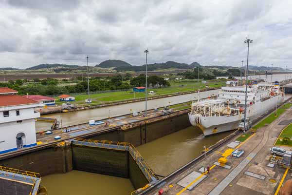 Panama- Miraflores locks